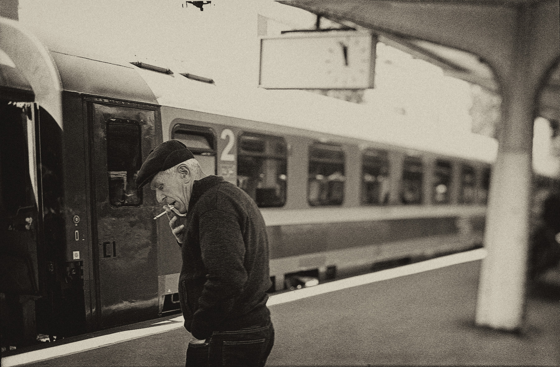 romania_train_smoker_LR